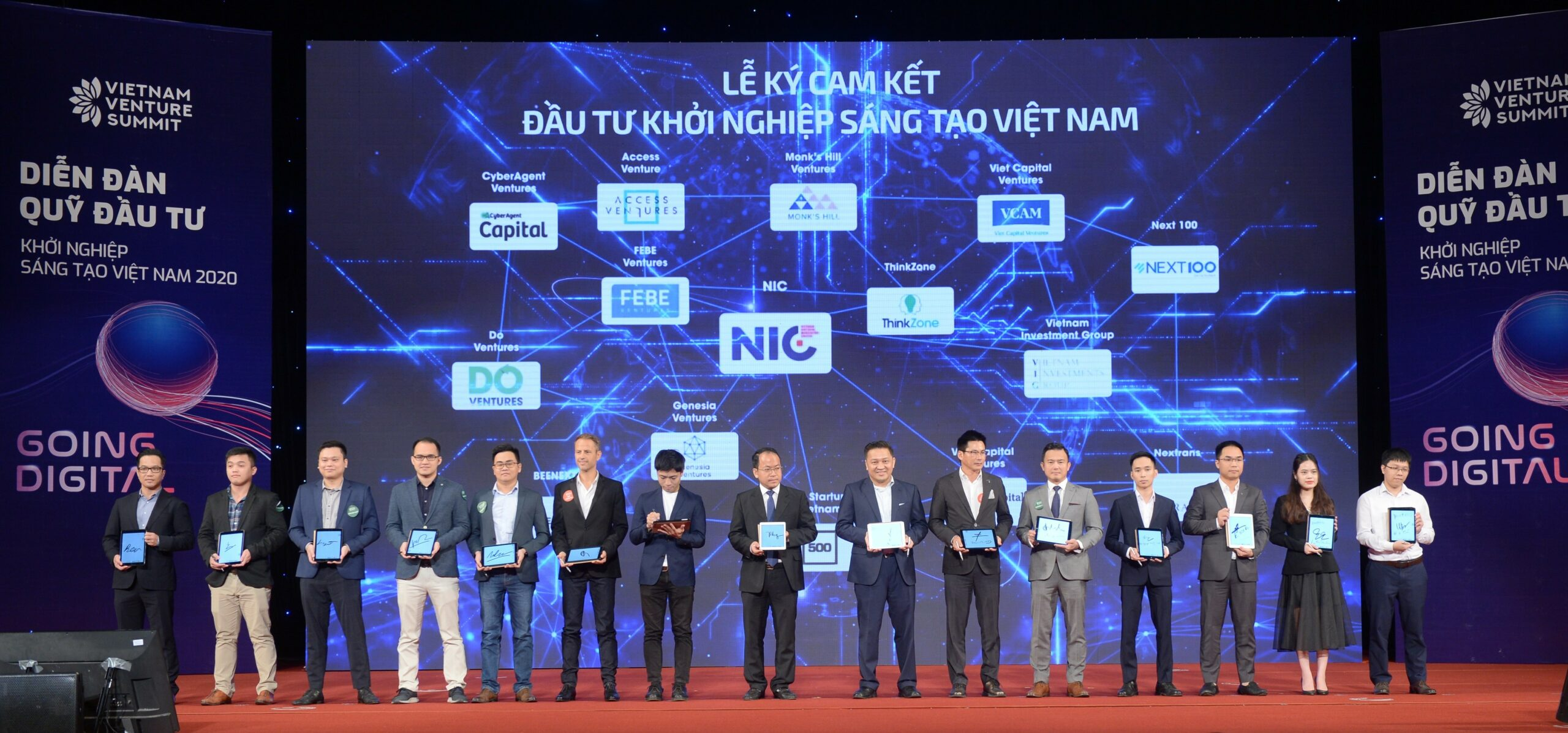 Photo: 33 investment funds committed to invest $815M in Vietnamese startups through 2025. 500 Startups Vietnam represented by General Partner Binh Tran (first person from left)